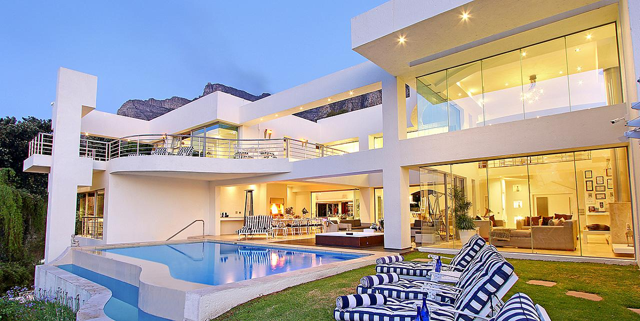 Hollywood Mansion - South Africa