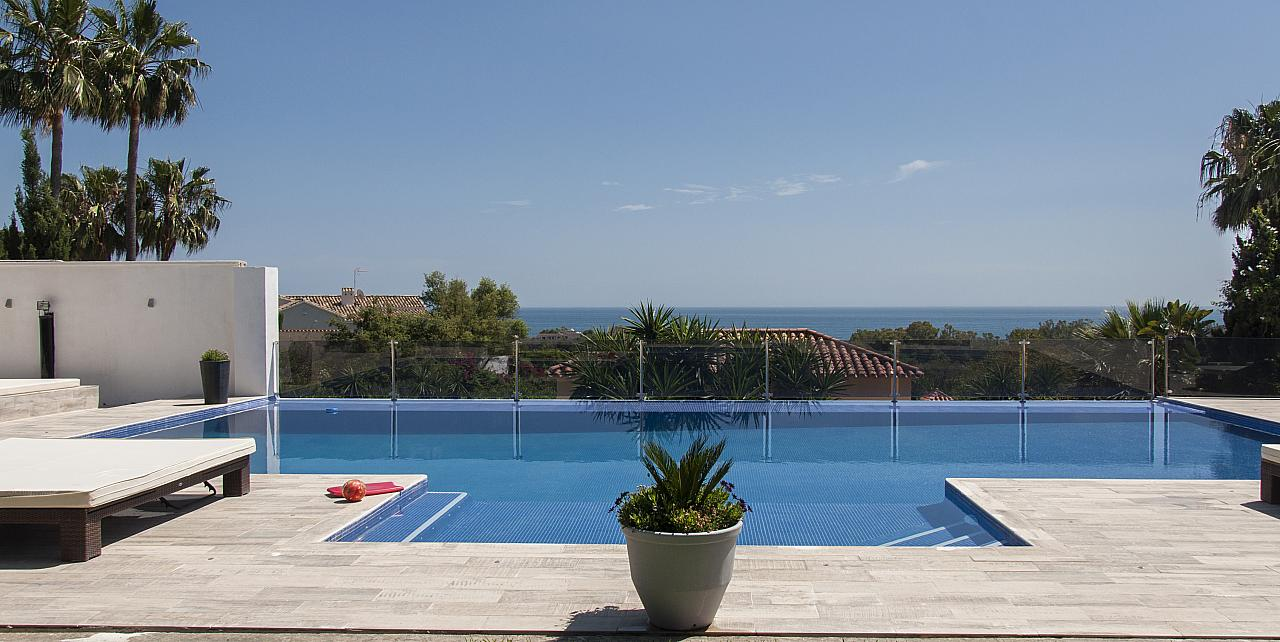 8 Bedroom Versace Villa in Elviria