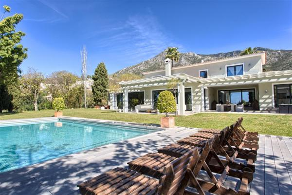 6 Bedroom Villa a short drive from Marbella