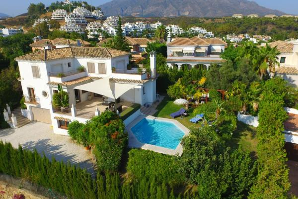 3 bedroom family villa situated in Nueva Andalucia, a short drive to Puerto Banus