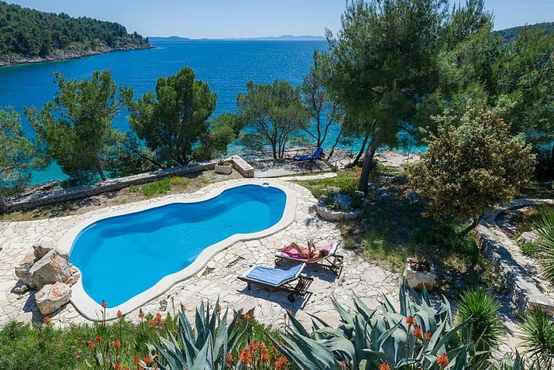 Villa Olive Bay
