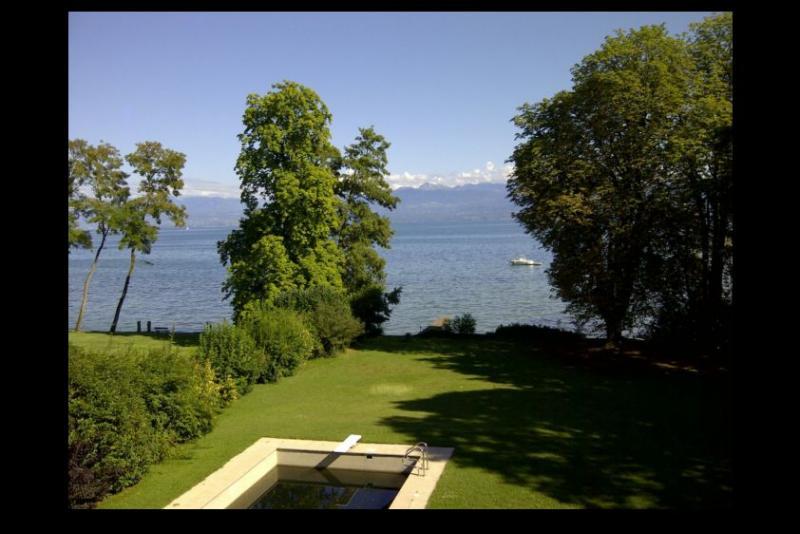 Lake Front Property close to Geneva